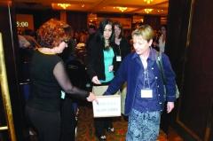 Les délégués au congrès deQuébec ne se sont pas faits prier pour aider leur confrère.